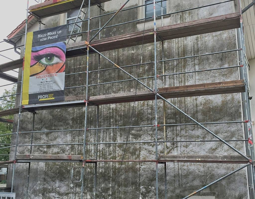 Schimmelsanierung Schimmelentfernung Fassadensanierung Fassadenanstrich Mikrobiozidbehandlung