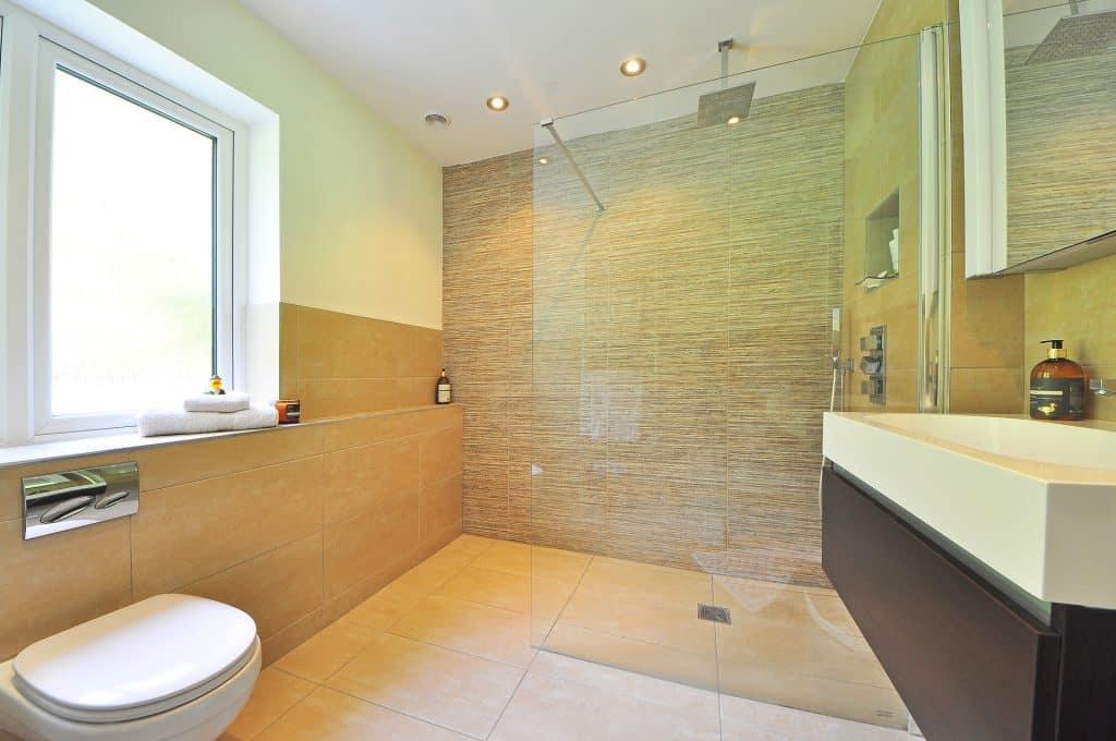 Renovierung Malerarbeiten Badezimmer